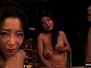 Trío de lesbianas japonesas calientes