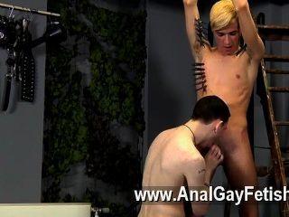 Hardcore gay puede ser nuevo, pero reece ciertamente parece saber cómo