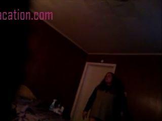 Películas de cámara oculta una chica en su dormitorio