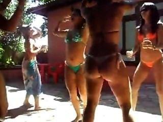 Novinha danÇando funk putaria en frente de la cámara vÍdeo