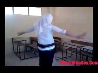 Danza árabe egipto en la escuela