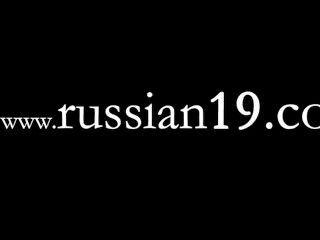 Buen espectáculo en vivo de la hermosa chica rusa