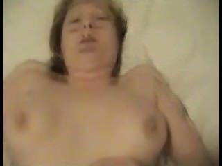 Chubby brit follada y fuma