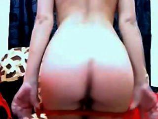 Aficionada rubia rubia y consolador anal