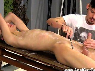 Hot gay sex adam es un verdadero profesional cuando se trata de romper en loco nuevo