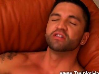 Caliente sexo gay dominic trabaja sus fuckholes ansiosos con su lengua,