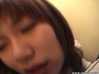 Beautiful asian cutie obtiene follada por detrás