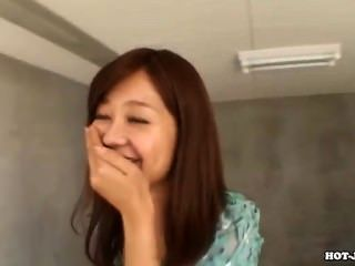 Chicas japonesas atraen a la madre jav en subway.avi