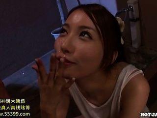 Chicas japonesas follan seductora mujer madura en la cama room.avi