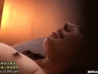 Chicas japonesas se masturban con la hermana seductora en kitchen.avi
