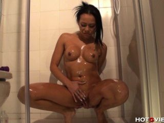 Masaje aceite ducha escupir